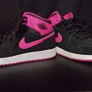 Jordan's 1 vivid pink
